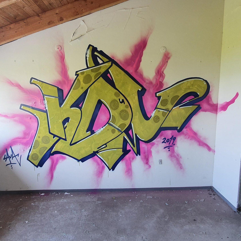 Graffiti in a abandoned school